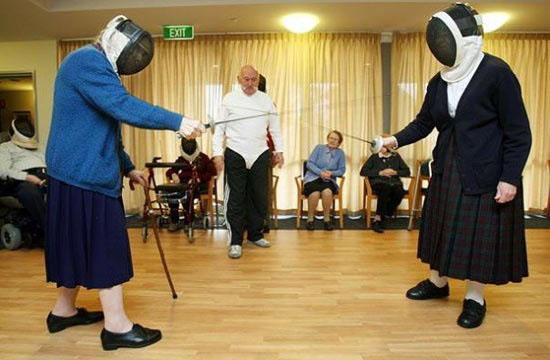 Жанна Кальман занимается фехтованием